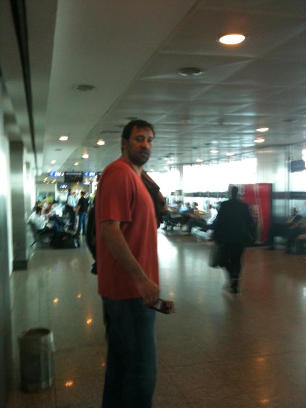 Vlade Divac Istanbul airport ASternWarning.com
