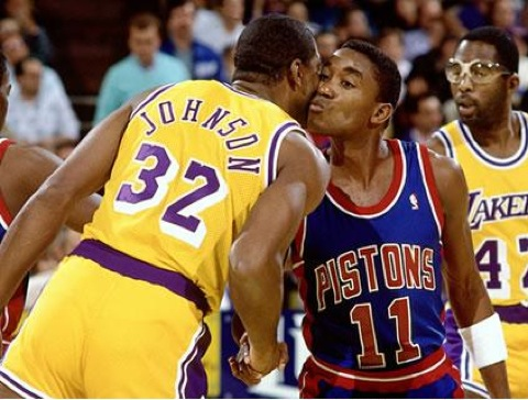 magic-johnson-isiah-thomas-kiss-425