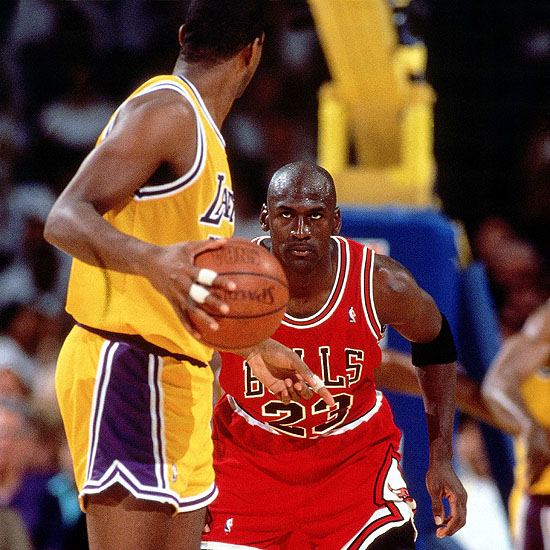 michael-jordan-magic-game3