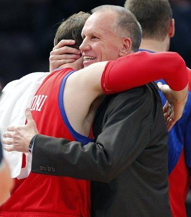 doug_collins hug