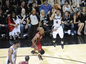 danny green shooting a three over ray allen 2014 nba finals game 1