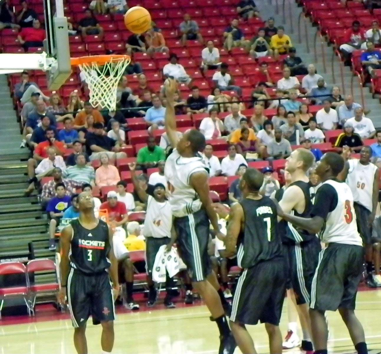 Rockets_Defend_Shot