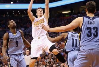Memphis Grizzlies v Phoenix Suns