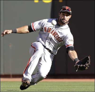 Angel_Pagan_Giants_Catch