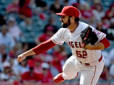 ANAHEIM, CA - JUNE 01:  Matt Shoemaker #52 of the Los Angeles Angels of Anaheim pitches against the Detroit Tigers at Angel Stadium of Anaheim on June 1, 2016 in Anaheim, California.  (Photo by Lisa Blumenfeld/Getty Images)