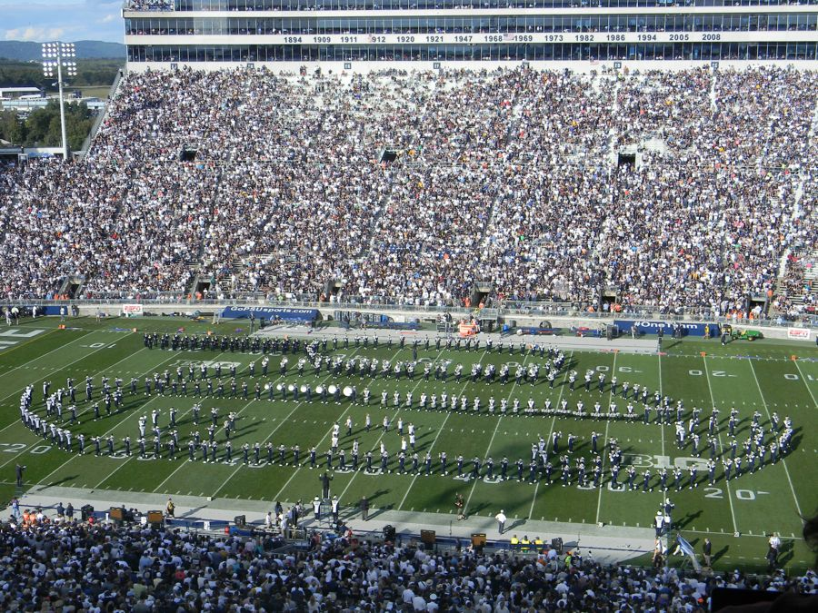 Penn State Blue Band salutes Army