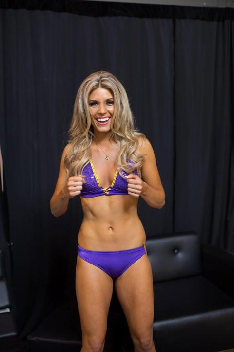 Vikings cheerleaders calendar pics