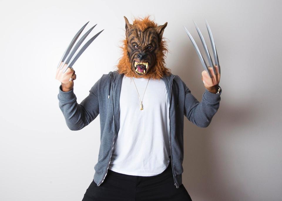 adrian peterson wolverine costume 001