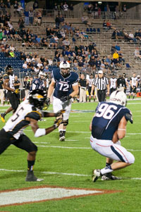UConn TE Spencer Parker catches a two-point conversion from UConn QB Chandler Whitmer against Towson on August 28, 2013 at Rentschler Field.