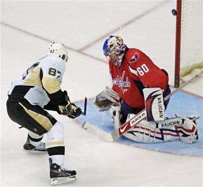capt.2e494f529bc840c0af26ca0904588c13.penguins_capitals_hockey_vzn106