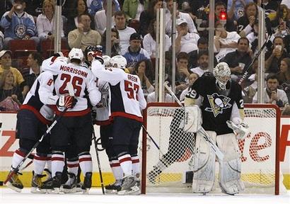 capt.1ca6dba6b509497cbd7340beedf6e085.capitals_penguins_hockey_paks110