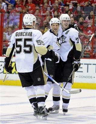 capt.24d3df195ca64b28a9ba8dc6a865c721.penguins_capitals_hockey_vzn204