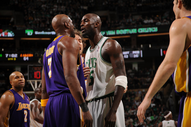 Odom-jawing-with-KG